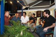 Cravo Albin e Joel Nascimento dividem palco com Os Novos Chorões