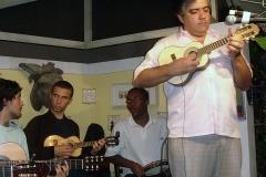 Jayme Vignoli apresenta-se acompanhado pelo grupo de Chorões de Joel Nascimento