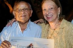 José Menezes e Carmélia Alves comemoram a merecida homenagem