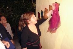Sueli Costa inaugura placa alusiva ao quinto Sarau da Pedra