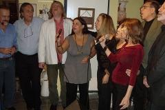 Amigos reúnem-se para cantar em homenagem a Paulinho