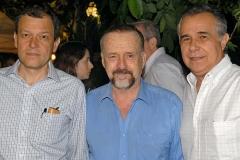 O Cirurgião Paulo Niemeyer Filho, Ricardo Cravo Albin e o jornalista Roberto D'Ávila